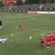 Vídeo Ejercicios de Futbol para niños, velocidad 1vs1 con finalización