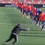 Sesion de entrenamiento Neville en el Valencia